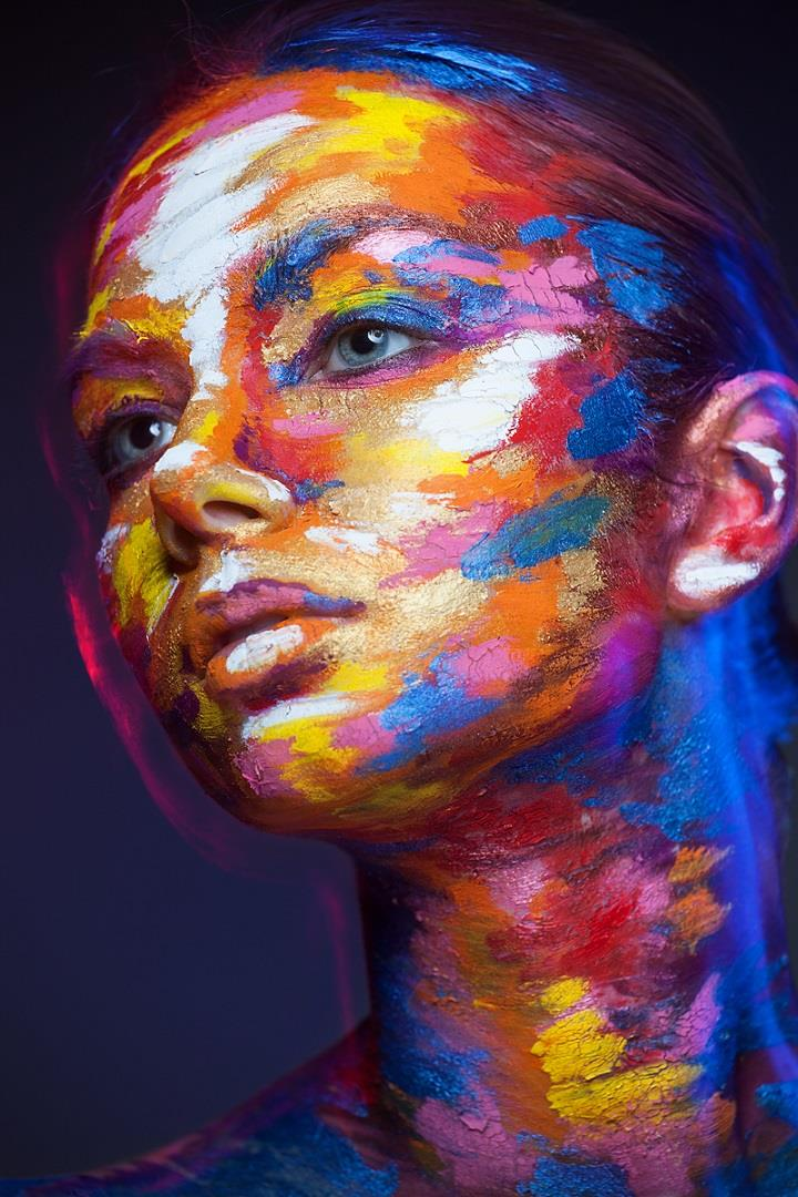 Alexander Khokhlov - painting makeup art