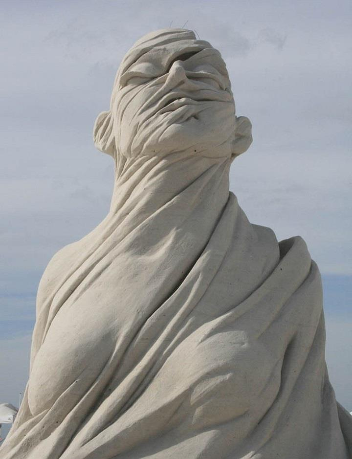 Carl Jara - sand sculpture