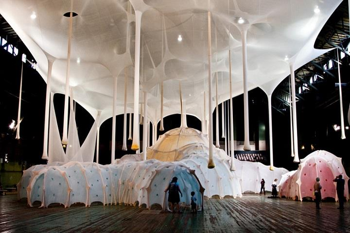 Ernesto Neto - inside the installation