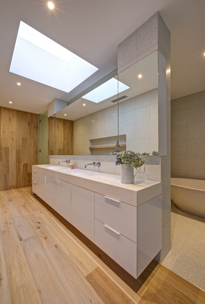 Georgia Ezra - bathroom design