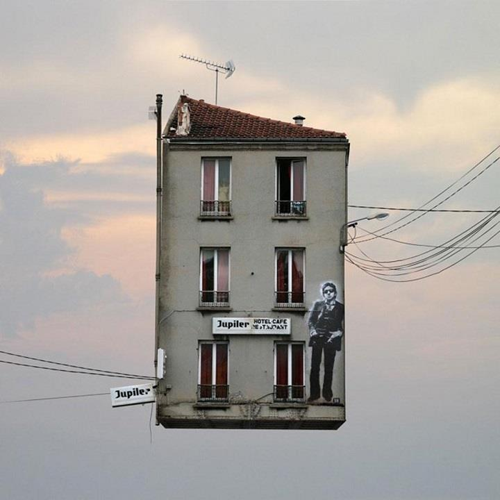 Laurent Chehere - Jupiler flying house