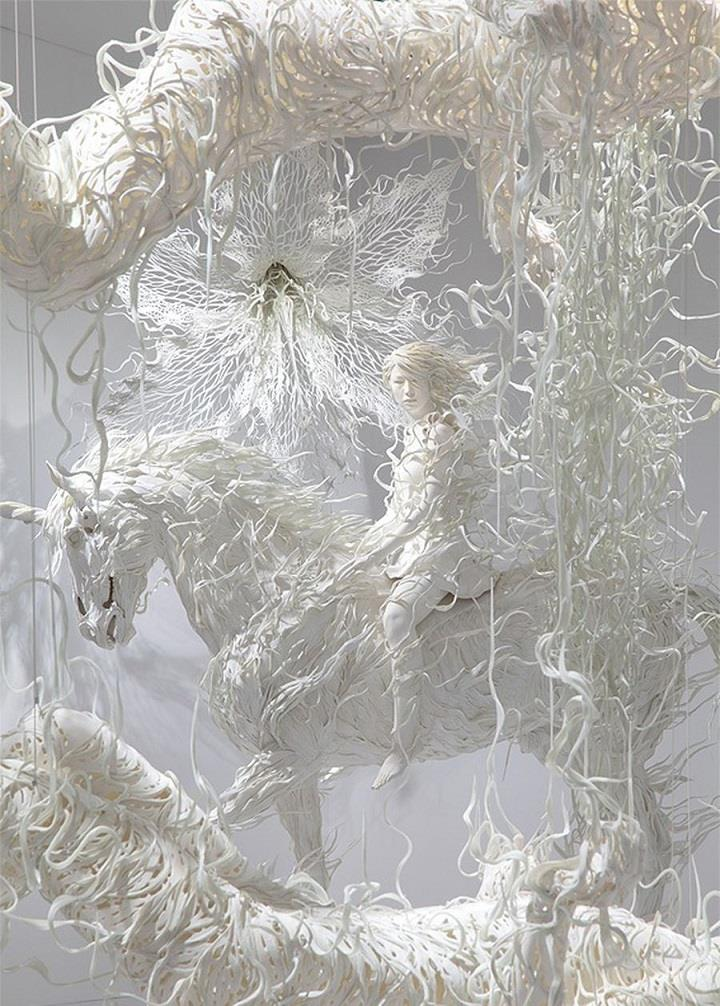 Motohiko Odani - sculpture whites