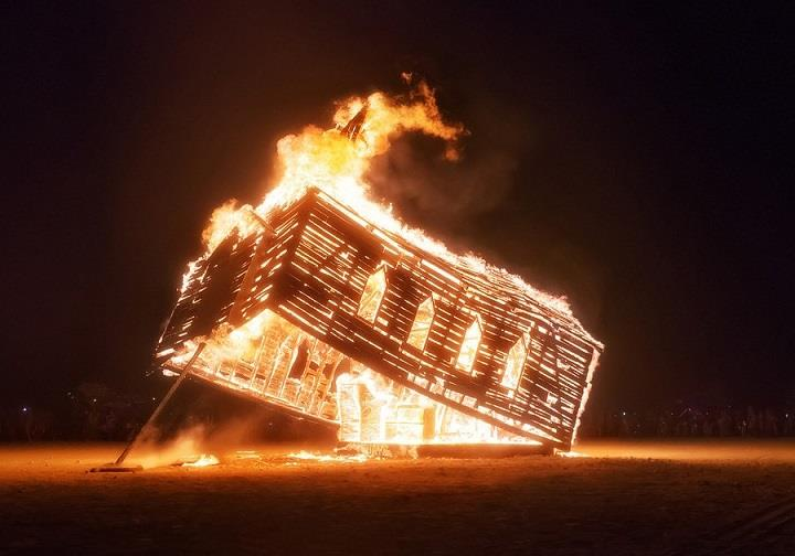 Trey Ratcliff - burning man fire
